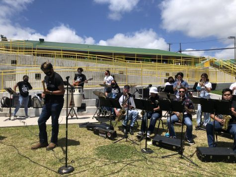 Jazz Band Rocks Day on the Green